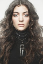 "Lorde Darkens ""Everybody Wants to Rule the World"" by Tears For Fears"