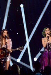 Kacey Musgraves and Katy Perry See Who Is More Country on Dolly Parton Cover