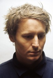 "Ben Howard Delivers Haunting Performance of Synth Pop Hit ""Hideaway"""