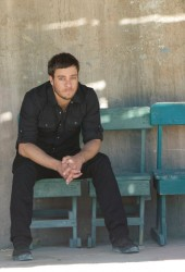 Amos Lee Puts on 'Boots of Spanish Leather' for Sons of Anarchy Soundtrack