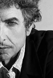 "Bob Dylan Covers Frank Sinatra's Hit ""Stay With Me"""