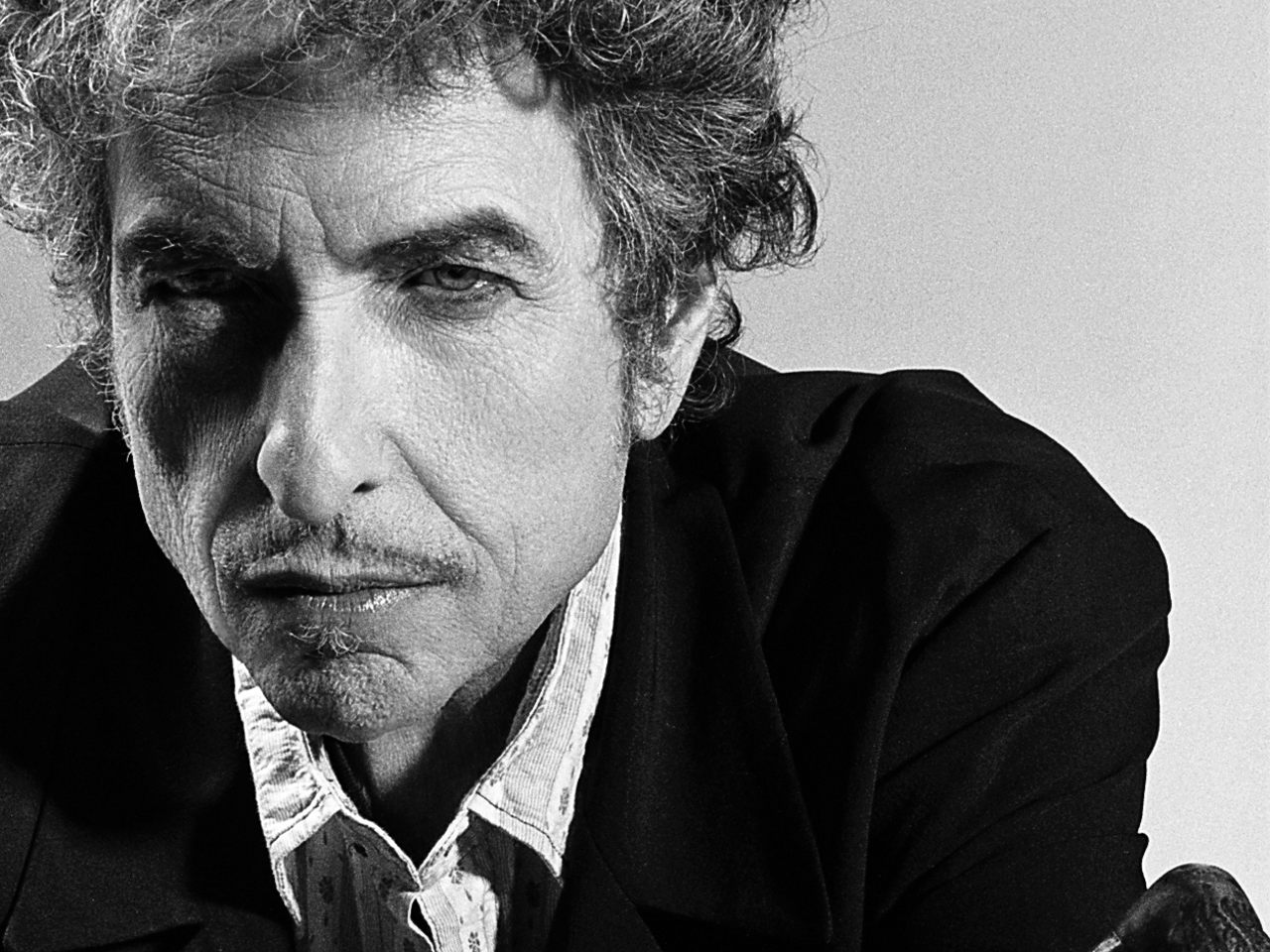 """Bob Dylan Covers Frank Sinatra's Hit """"Stay With Me"""""""