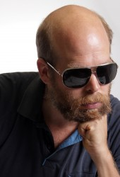 "Bonnie ""Prince"" Billy Delivers Trio of Covers, Including Hank Williams and Carter Family"