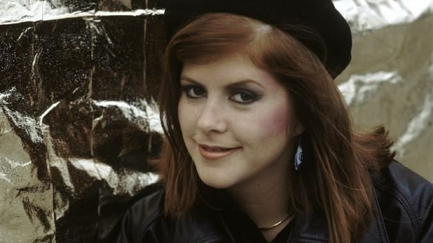 Five Good Covers: They Don't Know (Kirsty MacColl)