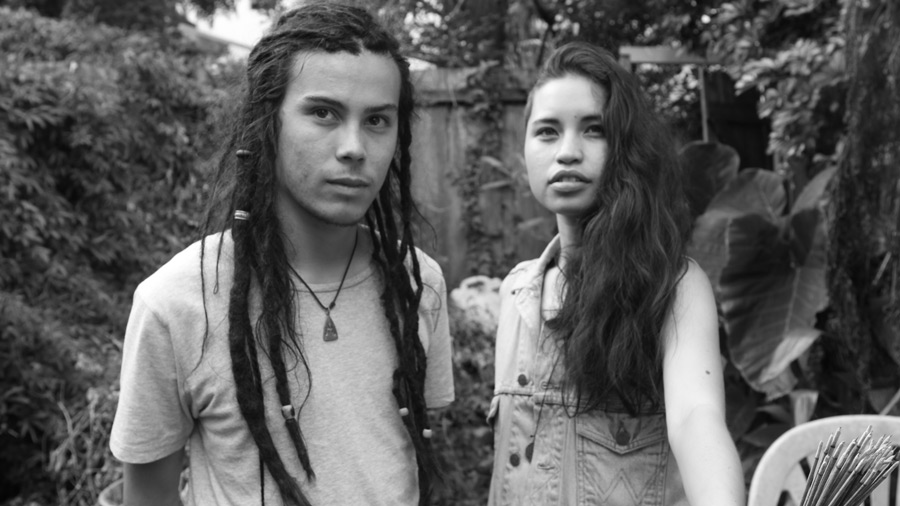 "Aussie Duo Twin Caverns Release Chilling ""Gold Digger"" Cover"
