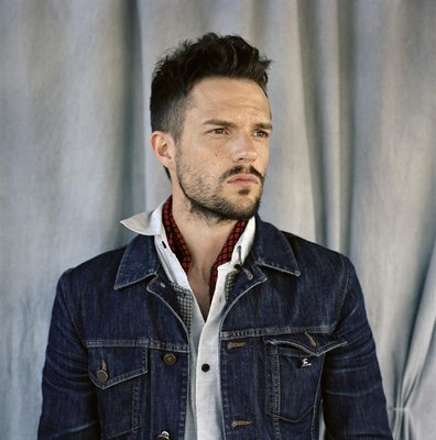 "Brandon Flowers Is ""Simply Irresistible"" with This Robert Palmer Cover"