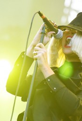 Sia Kills It With