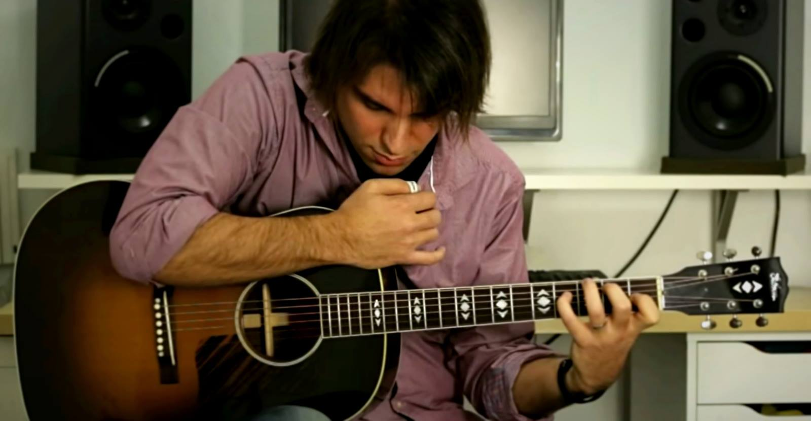 """Spanish Guitar Teacher Goes Viral with """"Beat It"""" Cover"""