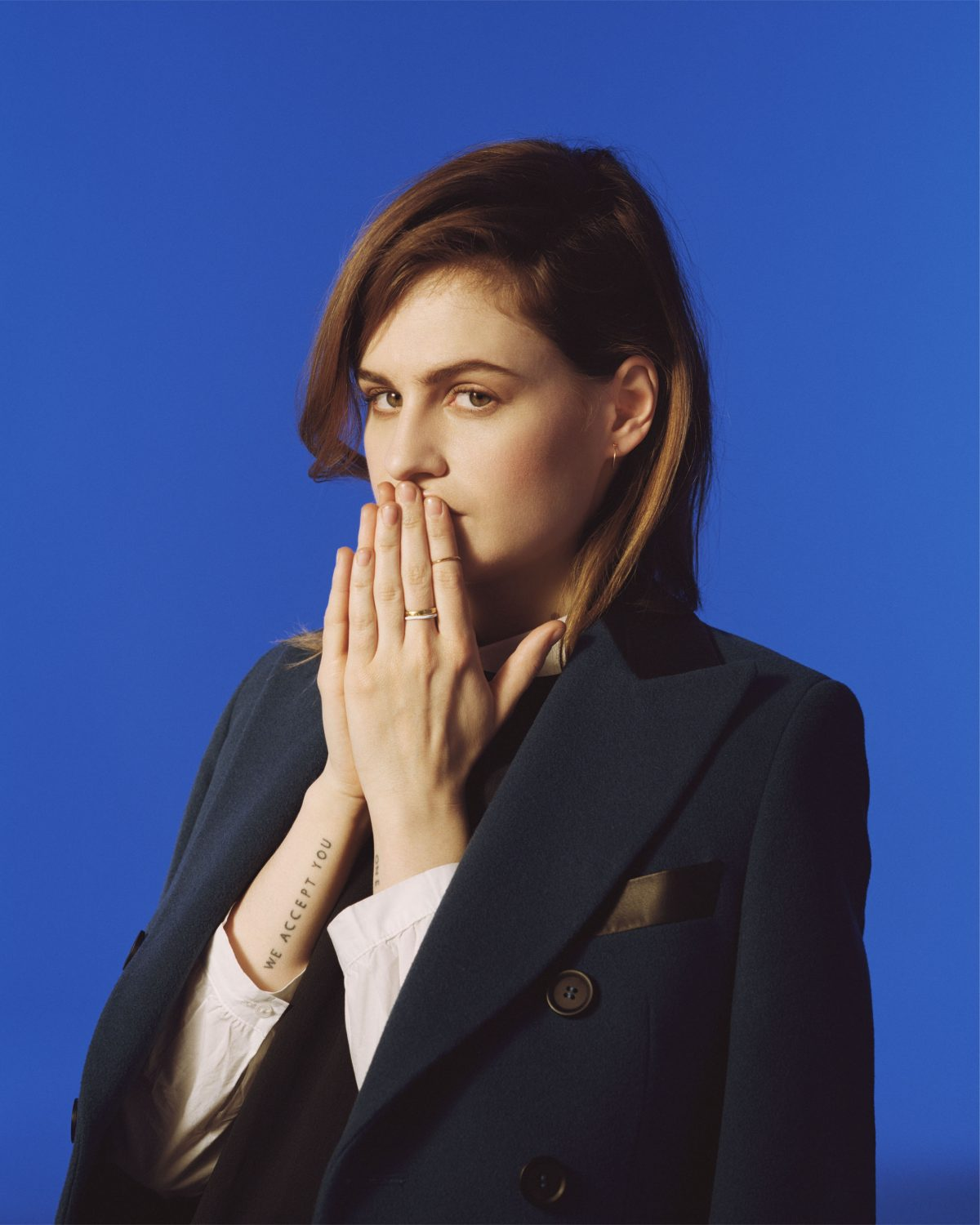 French Star Christine and the Queens Mash Up Kanye West with Old French Ballad