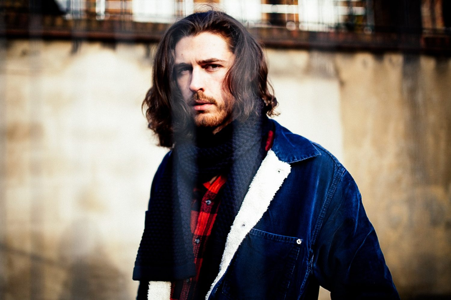 "Hozier Covers The Beatles' ""Blackbird"" in Paul Simon-Esq Arrangement"