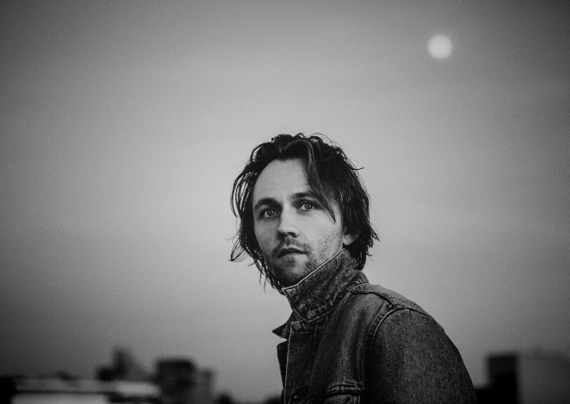 "Sondre Lerche Covers One of His Favorite 2016 Songs: Ariana Grande's ""Into You"""
