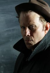 Tom Waits Croons an Italian Folk Song on First Recording in Two Years
