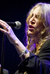 Watch Patti Smith Cover Midnight Oil's