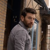 Brett Eldredge Delivers Surprising Country Cover of Billie Eilish