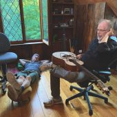 """Leo Kottke and Mike Gordon Return """"Eight Miles High"""" to its Folk Roots"""