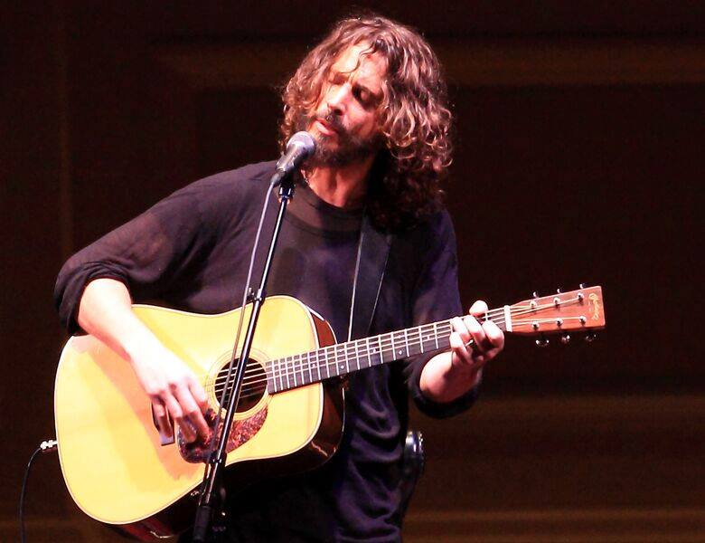 Chris Cornell Covers Sinéad O Connor S Nothing Compares 2 U Cover Me
