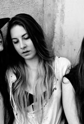 """Haim Cover The Strokes' """"You Only Live Once"""" Demo"""