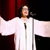 "Greek Pop Icon Nana Mouskouri Covers Amy Winehouse's ""Love is a Losing Game"""