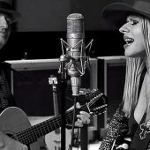 "Richie Sambora and Orianthi Team Up on ""I Got You Babe"" Cover"