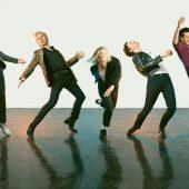 "Franz Ferdinand Croons Chic Cover of Angel Olsen's ""Shut Up Kiss Me"""