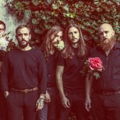 Rising Punk Band IDLES Tear Through Rap Covers Medley of The Streets