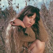 """Azure Ryder Gives Dua Lipa's """"Don't Start Now"""" an Indie-Folk Twist"""