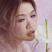 """Linying Adds Soft Touch to CCR's """"Have You Ever Seen the Rain"""""""