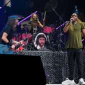 """Foo Fighters Cover """"Creep"""" with Dave Chappelle, Preview Bee Gees Covers Record at MSG"""