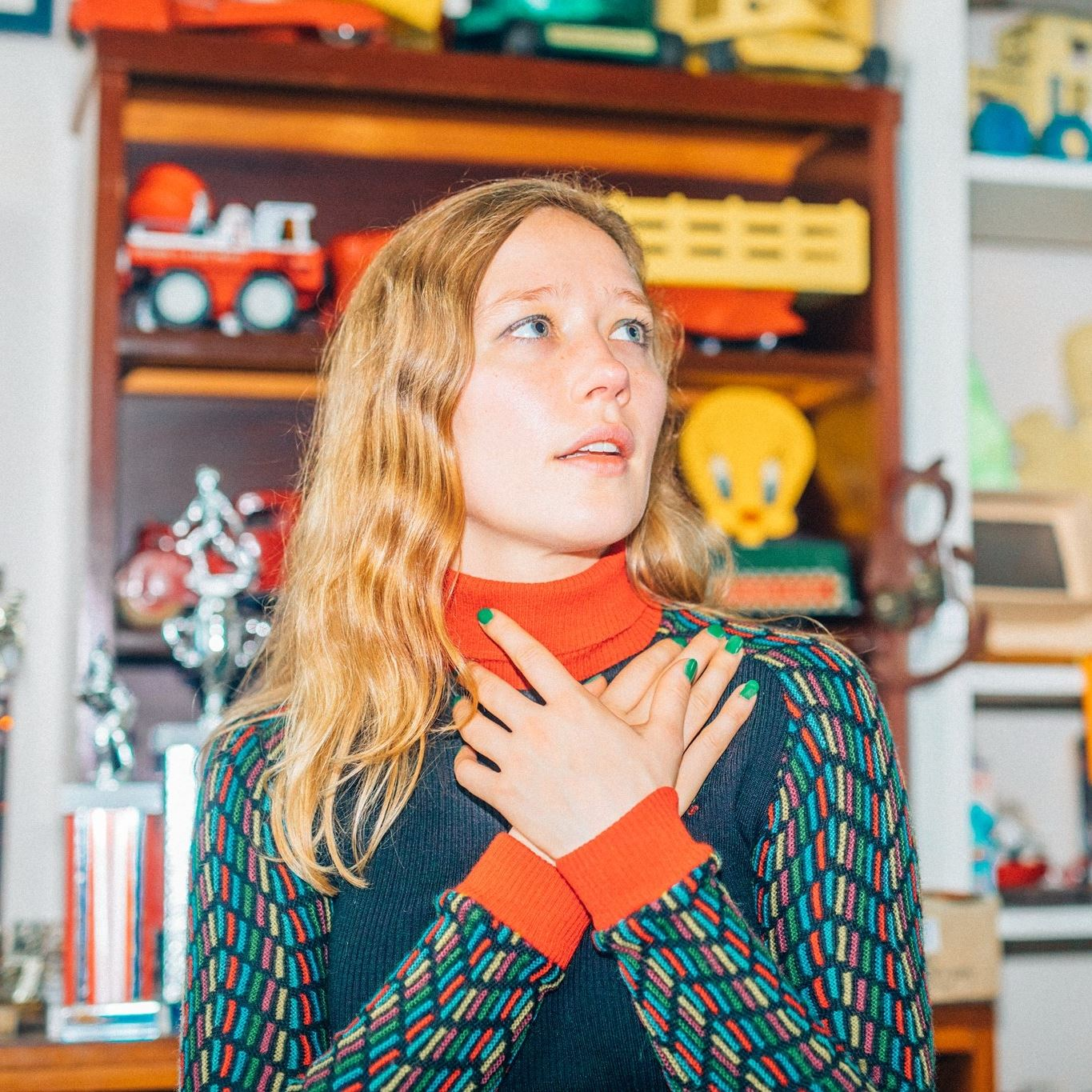 """Julia Jacklin and RVG Turn Björk's """"Army of Me"""" Into a Rock Song"""