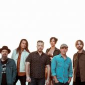 """Jason Isbell and the 400 Unit Find the Blues in Metallica's """"Sad But True"""""""